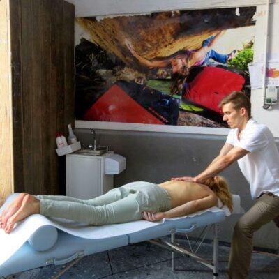 Gabinet masażu Gdańsk Oliwa, Profesjonalny masaż terapeutyczny i sportowy, masaż Gdańsk Oliwa, masażysta Gdańsk, masaż leczniczy Gdańsk, masaż powięziowy Gdańsk, masaż sportowy Gdańsk, terapia punktów spustowych Gdańsk, terapia, autoterapia, automasaż, masaż tkanek głębokich, masaż głęboki, terapia bólu Gdańsk, ból, ból karku, dojazd do klienta